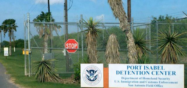 Más de 900 familias inmigrantes continúan separadas en EE.UU. en la fecha límite para la reunificación
