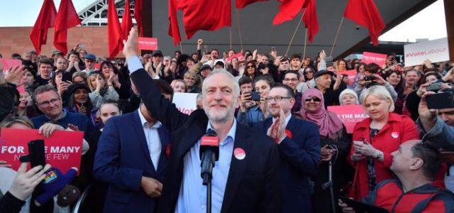 Gran Bretaña: Jeremy Corbyn y el fuego del ala derecha del Laborismo