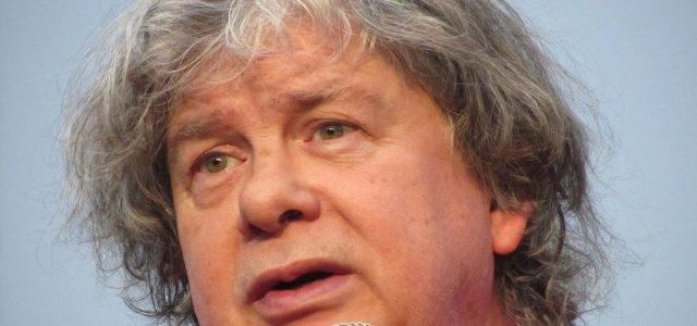 Chile – Aumentan denuncias de abuso y acoso sexual contra Fernando Villegas