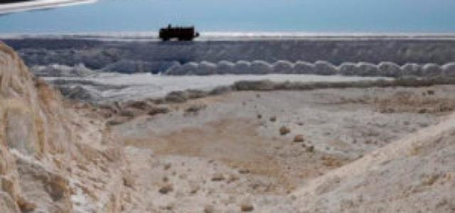Chile – El agua del salar de Atacama enfrenta a Minera Escondida con el grupo Luksic