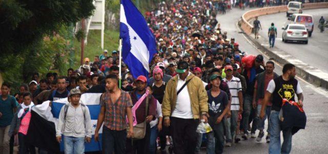 México –El éxodo centroamericano se abre paso a través de México