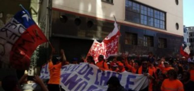 Movilización de trabajadores en Valparaíso. [entrevista + comunicado]