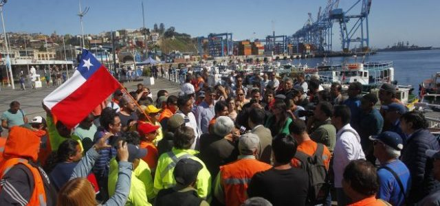 Chile – VALPARAÍSO: TRABAJADORES TERMINAL 2 SE IMPONEN EN LA LUCHA, PARO SIGUE EN EL TERMINAL 1