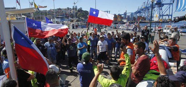 Chile – Valparaíso: TODO CON LOS PORTUARIOS, NADA CON LOS EMPRESARIOS NI CON PIÑERA