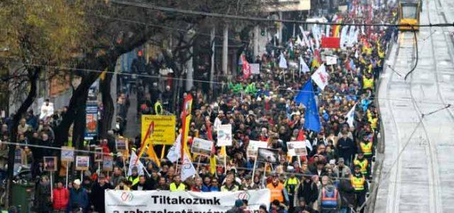 """Hungría – Movilizaciones contra la """"Ley de esclavitud"""""""
