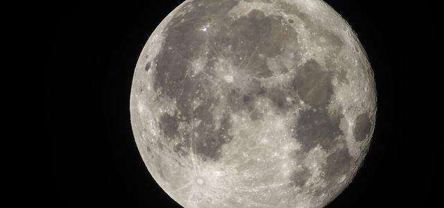 En duda nueva carrera espacial por conquista de cara oculta lunar