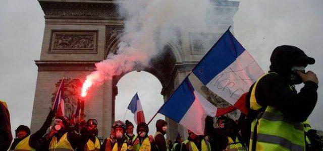 Francia: La revuelta de los chalecos amarillos cambia todo