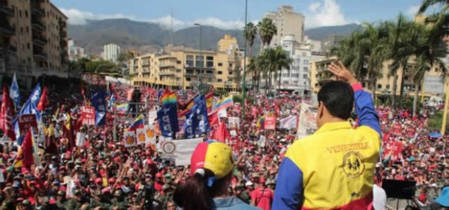 Estados Unidos contra Venezuela: un bufón para un circo de 12 países.