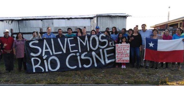 Vecinos de Río Cisne (Palena) en lucha contra Piscicultura San Joaquín en la Comuna de Hualaihué