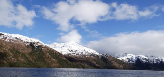 ¿Y qué tal ésta?: 2° Mayor Parque Nacional podrá ser invadido de salmoneras en Magallanes