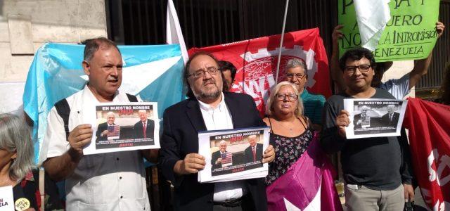 Protestan en la cancillería por viaje de Piñera a Cúcuta y lo acusan de subordinar a Chile a Donald Trump en su estrategia de agresión contra Venezuela. Carta a Roberto Ampuero