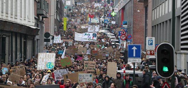 Bélgica: Movimiento de masas obliga a ministra del clima a dimitir