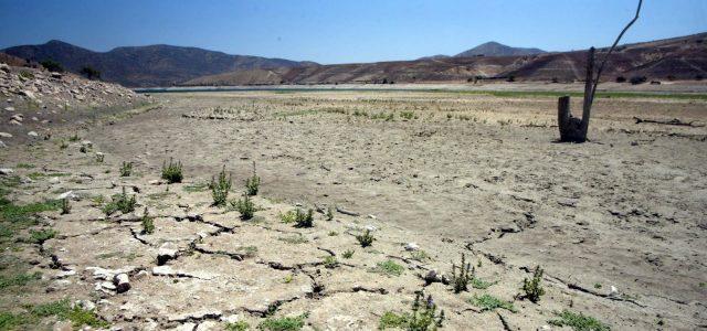 """El derecho humano al agua """"a la chilena"""""""