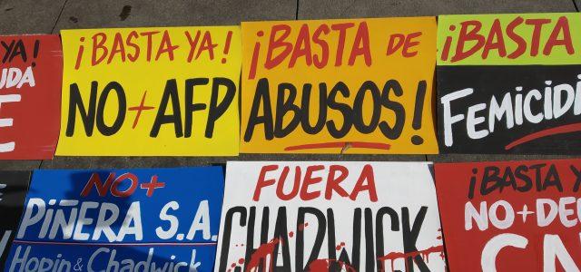Masiva Primera Jornada de Indignación Nacional. En todo Chile se escuchó: «Basta ya de Abusos y de corrupción.»