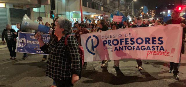 Antofagasta alzó la voz y las ollas: Masivo cacerolazo por la educación sonó fuerte en toda la ciudad