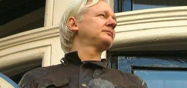 Estados Unidos presenta solicitud de extradición para Julian Assange