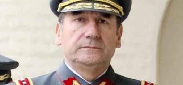 LOS GENERALES A LA CAPACHA. Artículo de Manuel Cabieses D