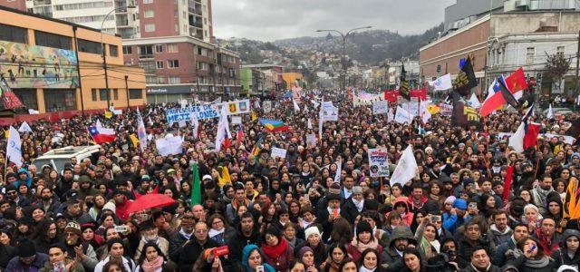Paro de profesores: Gobierno abre sus puertas, pero mantiene la ambigüedad