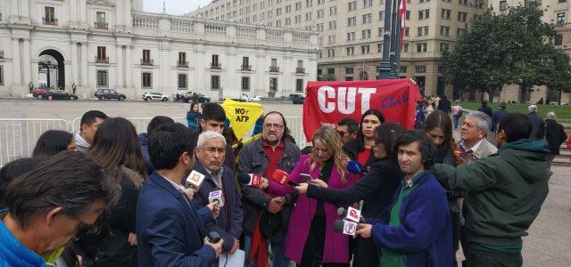 Organizaciones sociales y de Trabajadores solidarizan con Osorno, exigen el término de la concesión de ESSAL, su estatización y la renacionalización del agua.