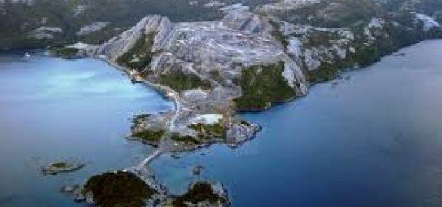 40 mil litros de petróleo son derramados en superficie marítima de Isla Guarello en Magallanes