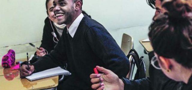 La Tercera: Estudiantes migrantes han traído muchas ventajas a la educación pública chilena.