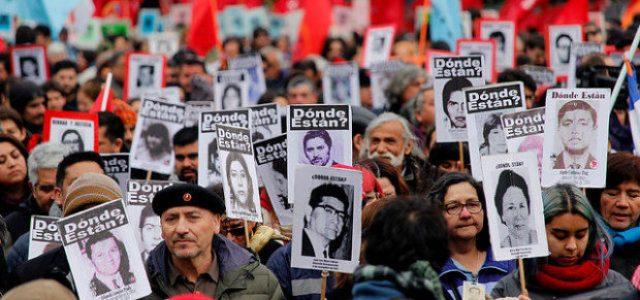 Chile – Se realiza romería que conmemora lxs caídxs del golpe de Estado de 1973: Un ejército policial reprimió a participantes