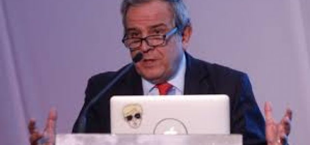 RENUNCIÓ SANTA CRUZ PRESIDENTE ASOCIACIÓN GREMIAL DE AFP