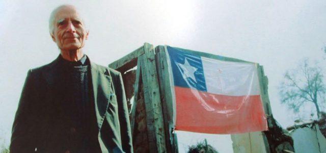 José Aldunate, Jesuita de la Iglesia de los Pobres, activista de la resistencia a la dictadura, luchador de los derechos del pueblo chileno.