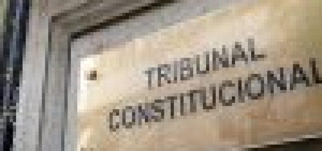 El Gobierno pide ayuda al TC para salvar sus posiciones
