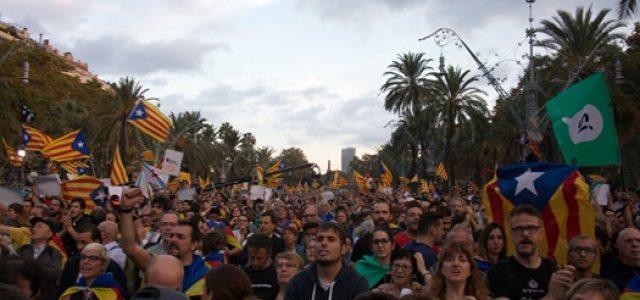 Cataluña: las penas de prisión draconianas de los líderes independentistas provocan protestas y huelgas masivas