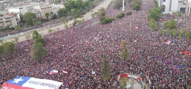 El Movimiento del 18 de octubre es un levantamiento social histórico. Ahora hay que desarrollar el Poder Popular de los Cabildos y Asambleas