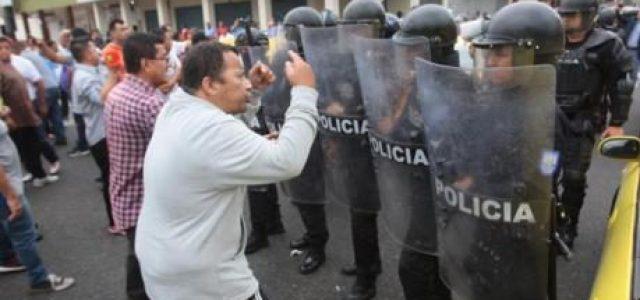 Ecuador: Moreno decreta estado de excepción ante gran protesta popular