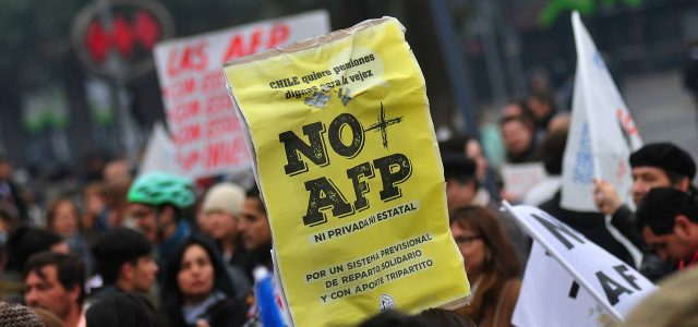 """Abogado No + AFP: """"Vendrán nuevos recursos y luchas que desmoronen el sistema"""""""