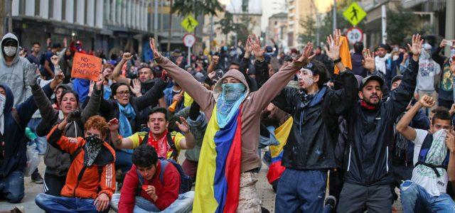 Los líderes de las protestas en Colombia llaman a un nuevo paro el miércoles tras la reunión con Iván Duque