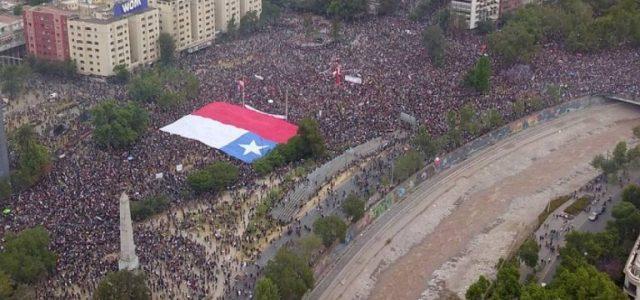 Chile: Millones se toman las calles durante Paro Nacional
