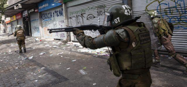 Ya en 2012 informe de Carabineros advirtió que escopetas antidisturbios provocan lesiones letales y estallido ocular