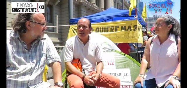 Especial de «Lo Cortés No quita lo Constituyente» en el acampe de Unidad Social frente al Congreso.  Conversamos con Jorge Coronado de Latinddad.