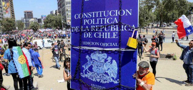 La revuelta popular Constituyente frente al intento de los poderes constituidos por contenerla y controlarla