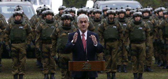 A Piñera no le creen ni le apoyan y Carabineros es la institución con mayor pérdida de confianza