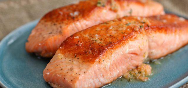 Salmón con Listeria en Chile: Autoridad sanitaria retira salmón ahumado de supermercados