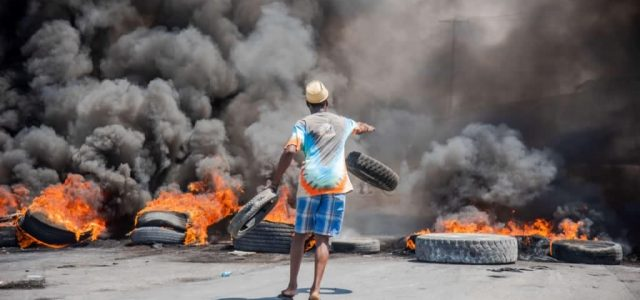 Haití – Rebelión policial con apoyo popular contra el gobierno de Moise