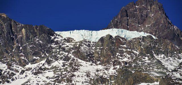 Red No Alto Maipo denuncia desprendimiento de glaciar Mesón Alto causado por hidroeléctrica