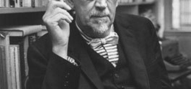 RETRATOS: DWIGHT MACDONALD (New York, 1906-1982)