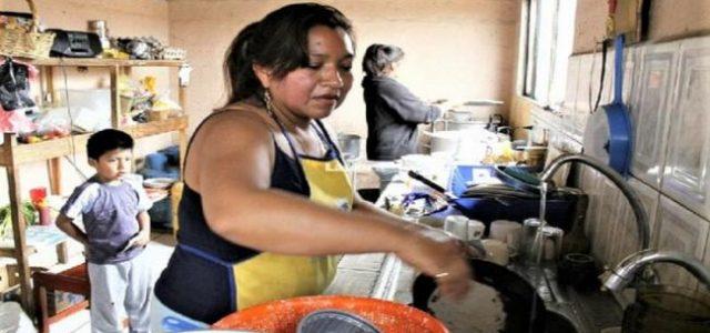 Perú – Las mujeres, el trabajo y el cuidado ¿Quién está fallando?