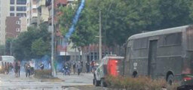 Manifestantes resistieron toda la tarde la represión policial en el centro de Concepción