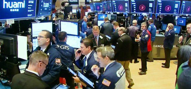 Se desploman los mercados bursátiles al tiempo que el coronavirus hace temblar la economía global