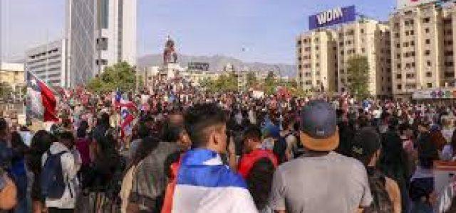 Socialistas y Derecha: ¿Clase política cocina otro Acuerdo Nacional para bloquear descontento social y congelar protesta ciudadana?