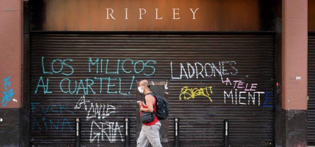 Trabajadores de Ripley denuncian que empresa se niega a pagar totalidad de sueldos