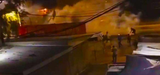 Vídeo: Esta noche Militares disparan balines a manifestantes que pedían alimentos en Bajos de Mena Puente Alto