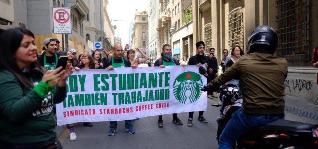 Trabajadores de comida rápida y multinacionales lanzan manifiesto por la dignidad laboral y rechazan la denominada Ley de Protección del Empleo